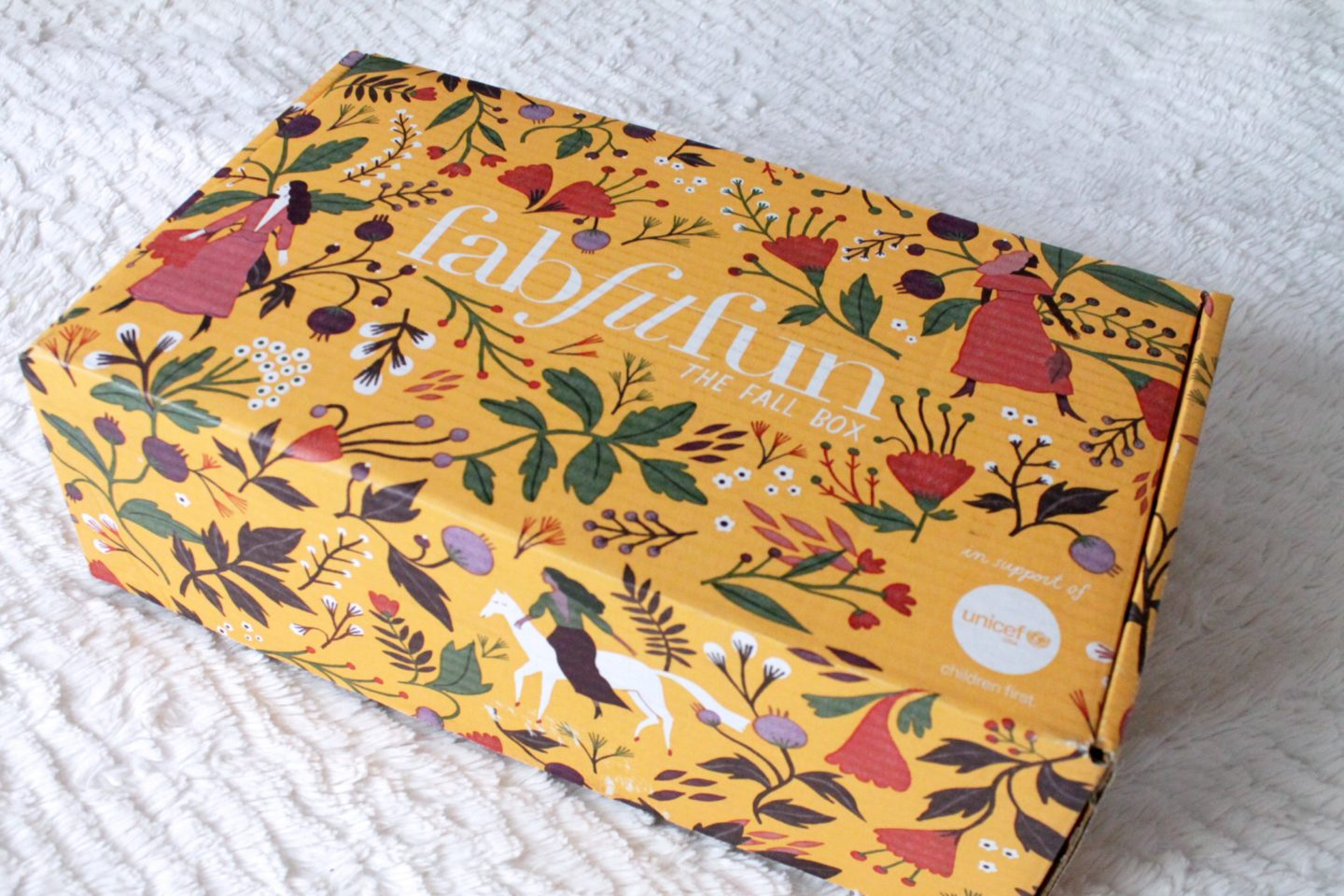FabFitFun Fall 2017 Box Yellow